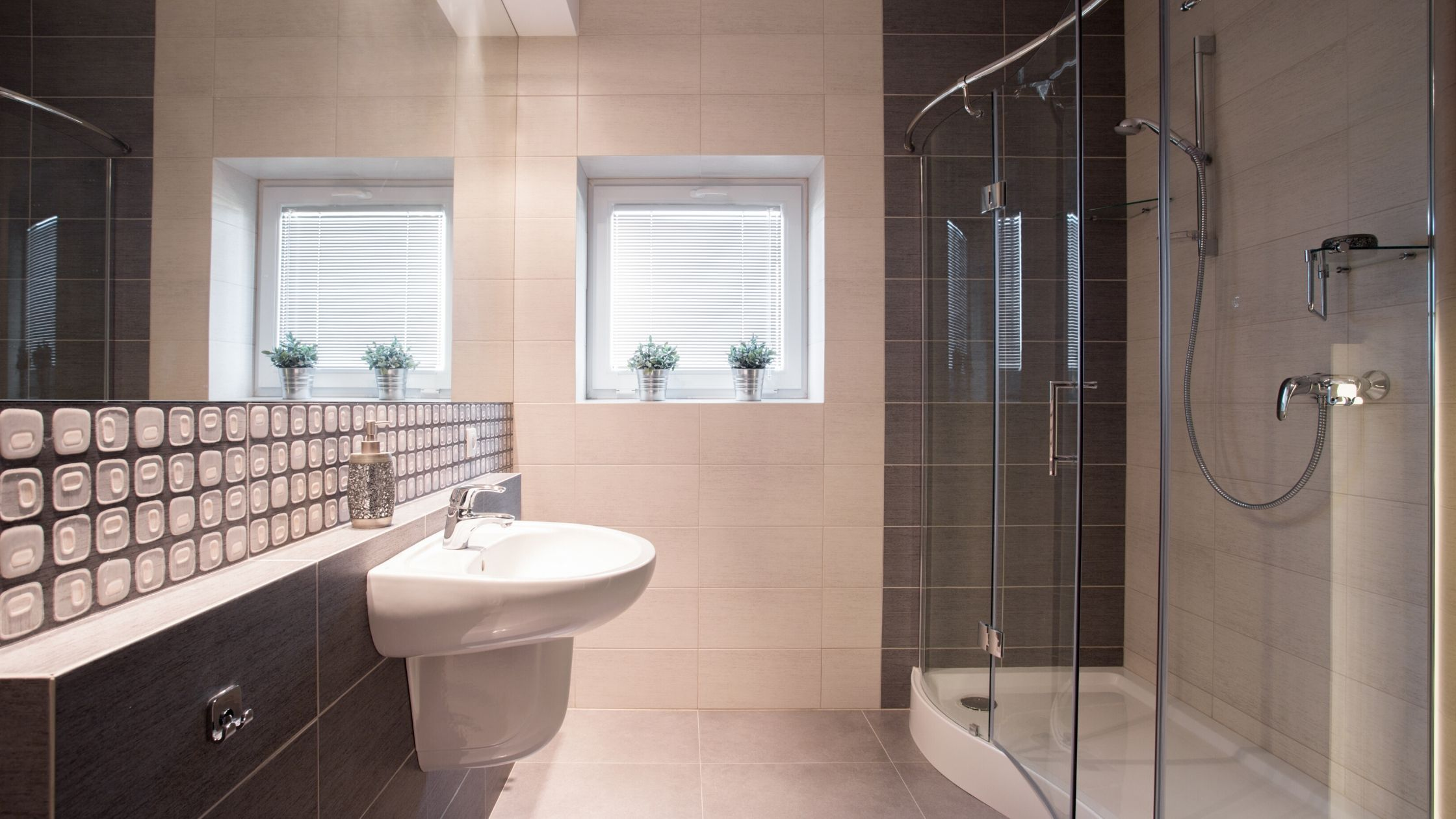 How To Select The Best Type Of Shower Enclosure For Your Bathroom
